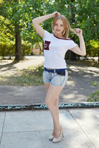 Dating for beautiful angelina from komina with Light Brown hair age 28