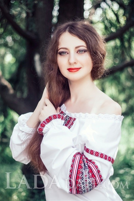 Ukrainian girl model anna from kherson with Light Brown hair age 29