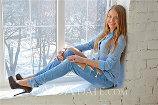 Meet ukraine women elena from zaporozhye with Light Brown hair age 36