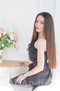 Ukraine date svetlana from kharkov with Light Brown hair age 29