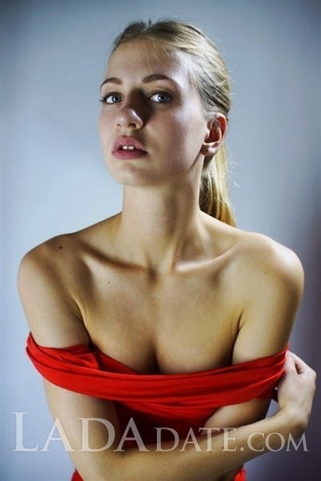 Ukraine ladies for marriage polina from saint-petersburg with Blonde hair age 25