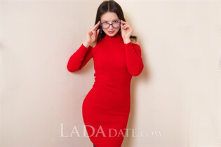 Ukranian beauty galina from nikolaev with Light Brown hair age 26