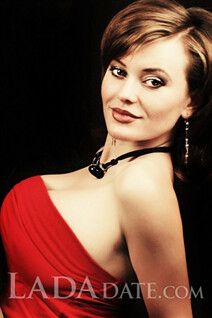 Order russian wife anna from odessa with Dark Brown hair age 29