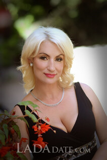 Russian girl online natalia from chuguev with Blonde hair age 42
