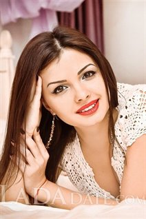 Hot Ukrainian girl alyona from mariupol with Dark Brown hair age 28