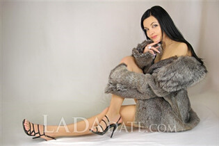 Single Ukraine lady roksolana from odessa with Black hair age 38