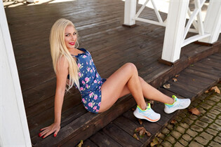 Pretty Ukrainian woman anna from nikolaev with Blonde hair age 39