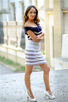 Young Ukraine girl maria from odessa with Dark Brown hair age 32