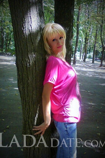 Bride from Ukraine dina from cherkassy with Blonde hair age 40