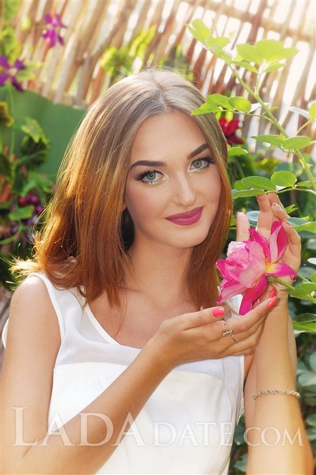 Single Russian girl olya from kharkov with Red hair age 20
