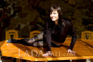 Russian bride tours with viktoria from nikolaev with Dark Brown hair age 24