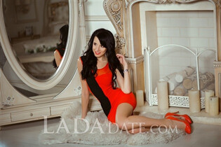Russian single girl alexandra from kiev with Black hair age 29