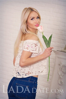 Gorgeous russian oksana from odessa with Blonde hair age 30