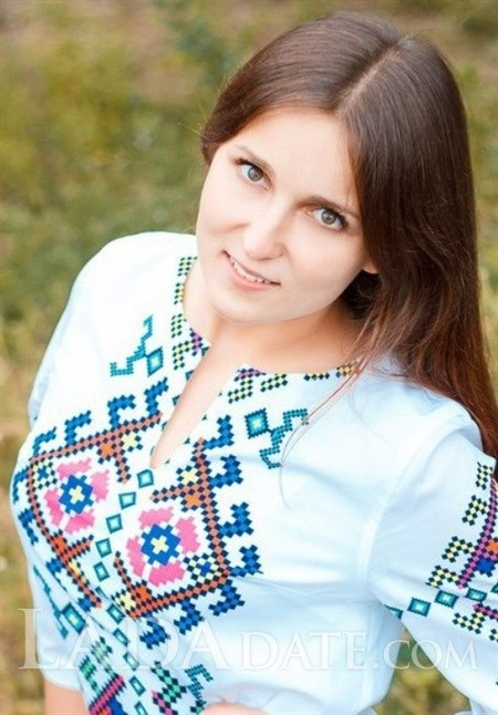 Oriental women for marriage alena from poltava with Light Brown hair age 24