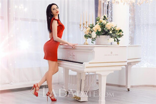 Russian bride elena from kharkov with Black hair age 29