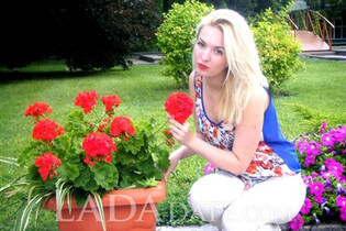 Russian bride in bikini valentina from donetsk with Blonde hair age 25