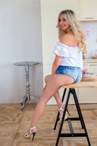 Russian brides in bikini anna from krivoy rog with Blonde hair age 36