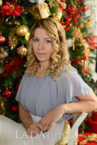 Date hot russian girl irina from saint-petersburg with Light Brown hair age 26