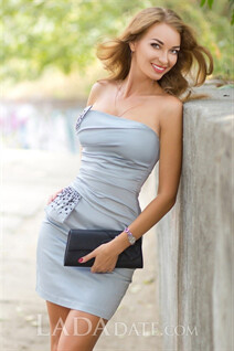 Beautiful women ukraine irina from kherson with Light Brown hair age 29