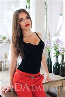 Dating Ukraine girl kristina from nikolaev with Light Brown hair age 26
