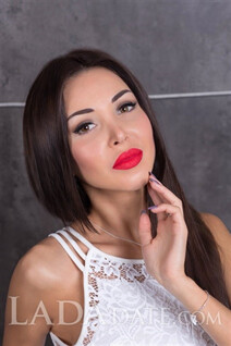Dating a ukrainian woman nadia from berdyansk with Dark Brown hair age 32
