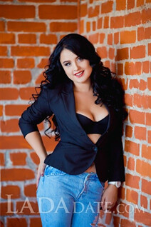 Beautiful in ukrainian alina from zaporozhye with Black hair age 22