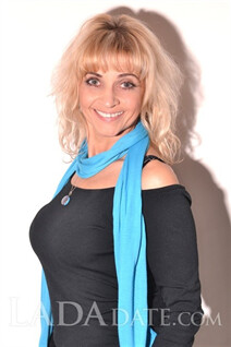 Hot Russian woman sveta from chuguev with Blonde hair age 54