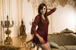 Ukraine women online olga from kiev with Dark Brown hair age 23