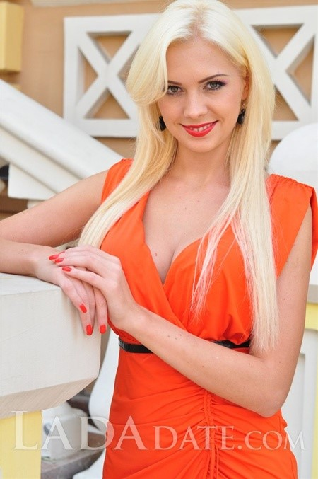 Ukraine romance tours with karina from kyiv with Blonde hair age 27